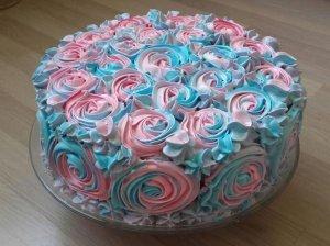 Nuostabus tortas su maskarponės kremu ir vaisiais