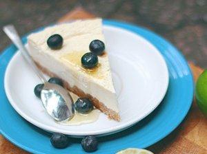 Sūrio pyragas su graikišku jogurtu ir laimais