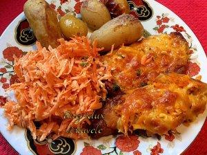Užkepti karbonadai su morkomis ir sūriu