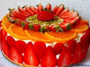 Gaivus braškinis-apelsininis tortas su varškės kremu