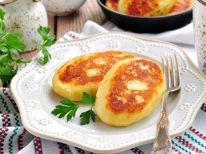 Nuostabūs virtų bulvių blyneliai su sūriu