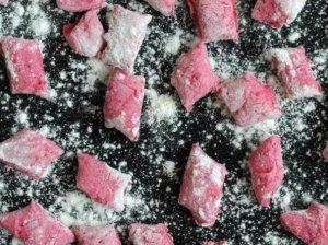 Rožiniai bulvių virtinukai su burokėliais - taip daug įdomiau ir labai skanu!