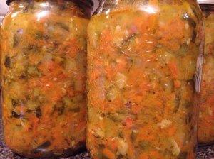 Cukinijų ir morkų mišrainė žiemai