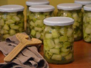 Pikantiškai marinuotos cukinijos žiemai - be galo skanus receptas