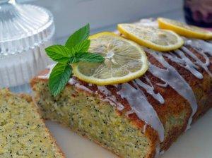 Citrininis cukinijų pyragas su aguonomis