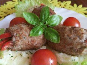 Paprikomis įdaryti minkštučiai maltos mėsos suktinukai