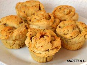 Pikantiški keksiukai-duonelės su česnaku ir žolelėmis