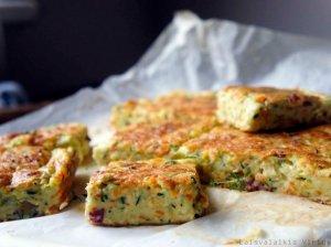 Purus cukinijų ir morkų apkepas su sūriu
