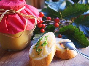 Vaikystės skonio cukinijų uogienė su obuoliais