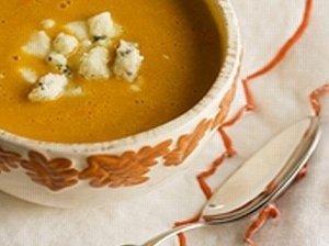 Trinta morkų sriuba su pelėsiniu sūriu