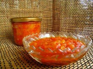 Aštrus paprikų ir persikų padažas - pagardas žiemai