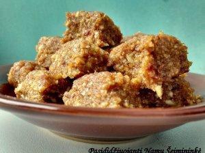 Saldainiai iš riešutų ir datulių - natūraliai saldūs ir be jokio cukraus