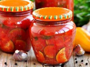 Cukinijos pomidorų padaže