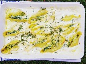 Įdaryti makaronai kriauklės su rikota ir špinatais