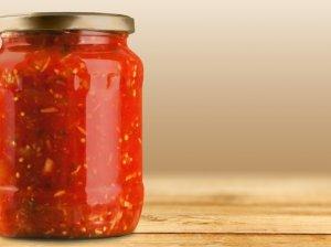 Pomidorų ir ryžių mišrainė žiemai be acto