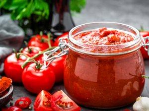 Naminis pomidorų padažas žiemai be acto