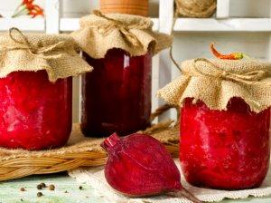 Obuolių sultyse marinuoti burokėliai žiemai