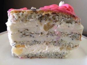 Jogurtinis tortas su kriaušėmis ir aguonomis