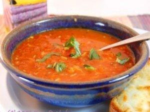 Šviežių pomidorų sriuba