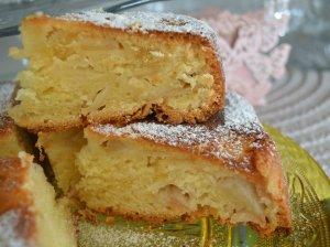 Drėgnas jogurtinis obuolių pyragas
