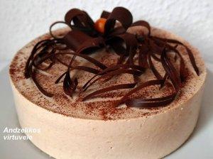 Riešutinio biskvito tortas su kapučino skonio maskarponės kremu