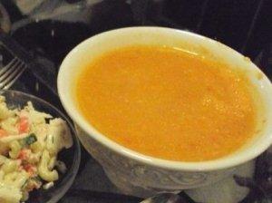 Šalta geltonų pomidorų sriuba