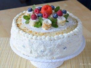 Lietinių blynelių tortas su varškės ir maskarponės kremu