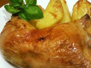 Vištienos ketvirčiai su bulvėmis kepimo rankovėje