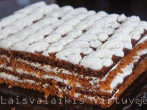 Morkų tortas su varškės kremu
