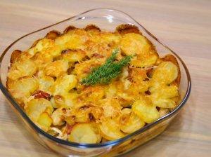 Vištienos ir bulvių troškinys orkaitėje su grybų padažu