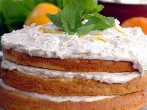 Grietinėlės tortas su kriaušėmis