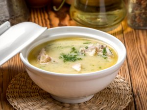 Lydyto sūrelio sriuba su vištiena