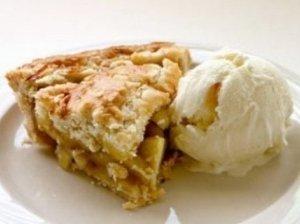 Rudeninis obuolių pyragas su migdolais ir cinamonu