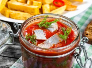 Silkė pomidorų padaže