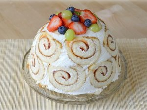Nekeptas jogurtinis tortas su vaisiais