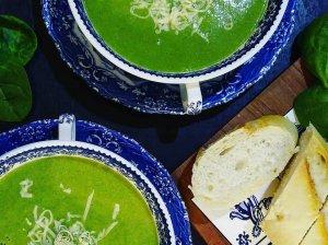 Trinta brokolių sriuba su vištiena ir špinatais