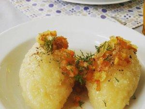Žalių ir virtų bulvių cepelinai su varške