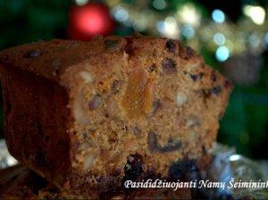 Kalėdinis trumpo brandinimo džiovintų vaisių pyragas