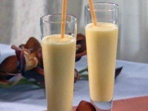 Persikų kokteilis