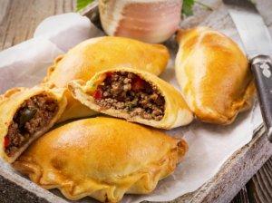 Empanados - čilietiški pyragėliai su jautiena