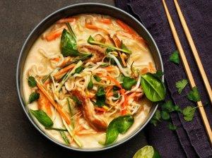 Vištienos ir daržovių Tom Kha sriuba