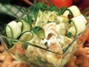 Žuvies salotos su žirneliais