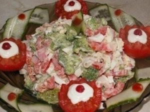 Virtų brokolių salotos