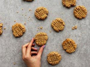 Riešutiniai sausainiai be kvietinių miltų