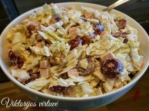 Vištienos salotos su vynuogėmis ir pekino kopūstu