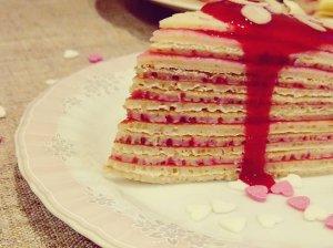 Lietinių blynų tortas su varške