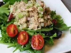 Tuno konservų salotos