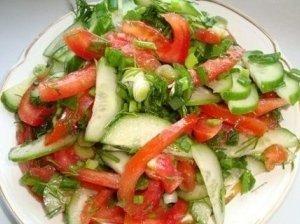 Šviežių daržovių salotos