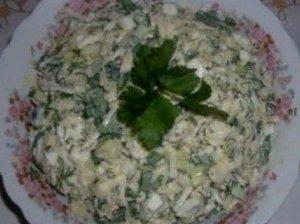 Šviežių agurkų-salierų salotos