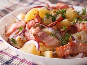 Bulvių salotos su šonine
